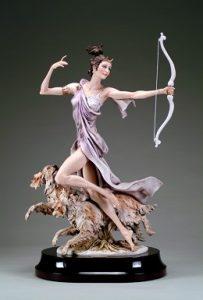 Джузепе армнаи статуетка на жена с лък