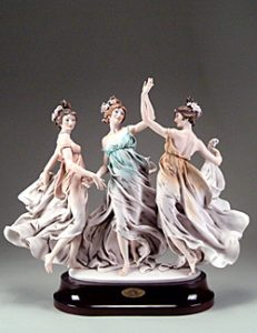 Джузепе Армани, статуетки, скулптура, колекционерство, Статуя на танцуващи жени